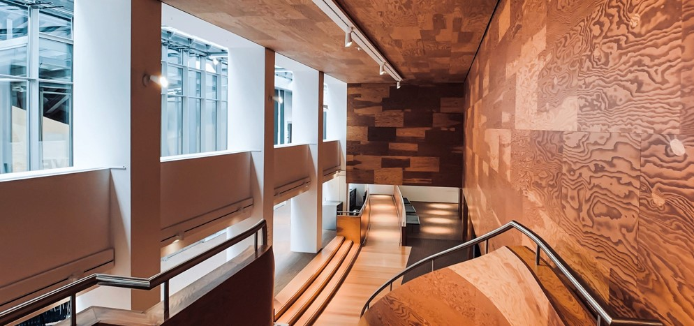 Diseños y composición con chapas de madera